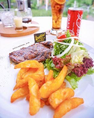 Foto 1 - Makanan(Sirloin Steak) di Justus Steakhouse oleh @kulineran_aja