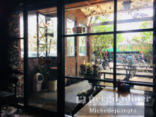 Foto 6 - Interior di Titik Kumpul Coffee & Eatery oleh Michelle Juangta