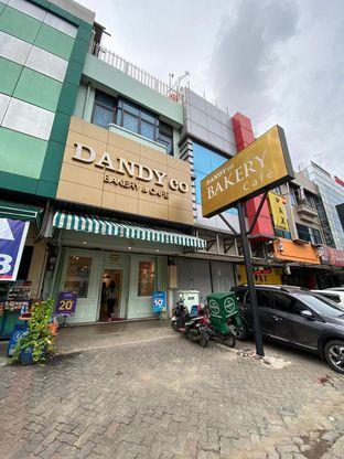 Foto 2 - Eksterior di Dandy Co Bakery & Cafe oleh Duolaparr