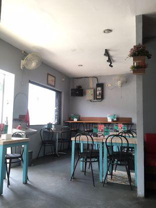 Foto 2 - Interior di Moska Cafe & Eatery oleh Prido ZH