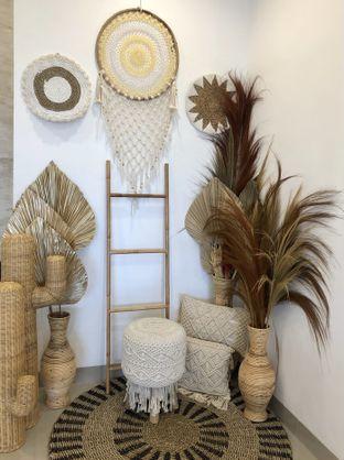 Foto 1 - Interior di Kamaie Coffee & Eatery oleh kdsct