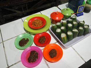 Foto 1 - Makanan(Nasi Uduk dan Sambal Kacang) di Nasi Uduk Kebon Kacang Puas Hati oleh Clara Yunita