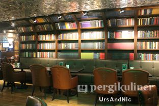 Foto 16 - Interior di McGettigan's oleh UrsAndNic