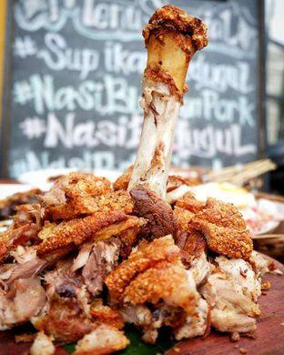 Foto - Makanan(Pork Knuckle) di Warung Bali Bedugul oleh Eric  @ericfoodreview
