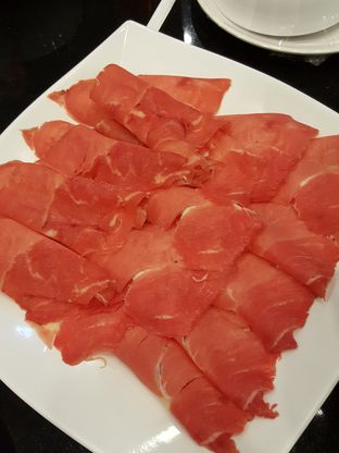 Foto 3 - Makanan di Beauty Hotpot Restaurant oleh Stallone Tjia (Instagram: @Stallonation)