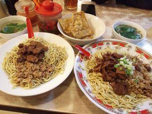 Foto 1 - Makanan(Mie campur) di Bakmie Aloi oleh zelda