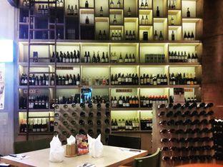 Foto 2 - Interior(beragam jenis wine dipajang sbg dekorasi) di VIN+ Wine & Beyond oleh @stelmaris