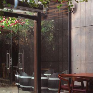 Foto 5 - Interior di Petrichor Cafe & Bistro oleh Yuhannes Hondir