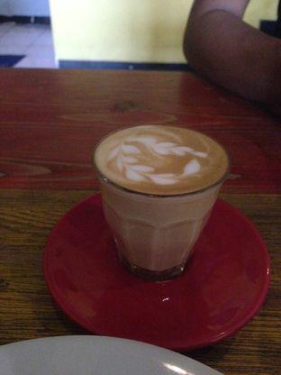 Foto 3 - Makanan di Yellow Truck Coffee oleh Qeqee Kusumawardani