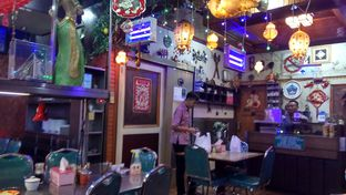 Foto 4 - Interior di Mandala Restaurant oleh YSfoodspottings