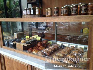 Foto 7 - Interior(dessert display) di Baker Street oleh Monica Sales