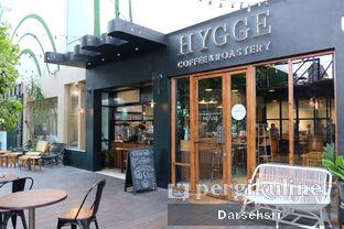 Foto 18 - Eksterior di Hygge Coffee oleh Darsehsri Handayani