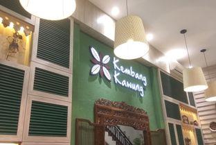 Foto 6 - Interior di Kembang Kawung oleh Renodaneswara @caesarinodswr