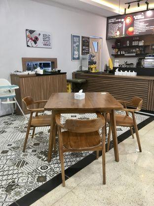 Foto 7 - Interior di de'CLAN Resto & Cafe oleh Prido ZH