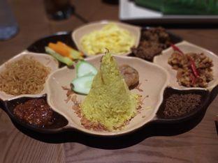 Foto 4 - Makanan(Nasi Kuning Rijsttafel) di Remboelan oleh Qorry Ayuni