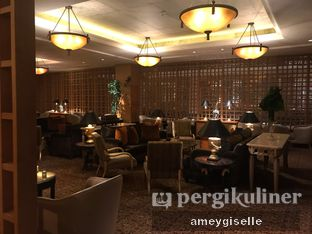 Foto review The Cascade Lounge - Hotel Mulia oleh Hungry Mommy 8
