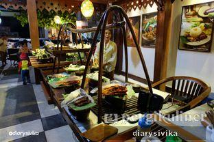 Foto 9 - Interior di Angkringan Kapok Lombok oleh diarysivika