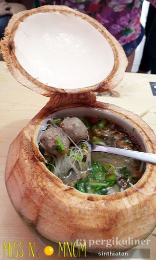 Foto 5 - Makanan(bakso khas dm + bihun) di Rumah Makan DM (Doyan Makan) oleh Miss NomNom