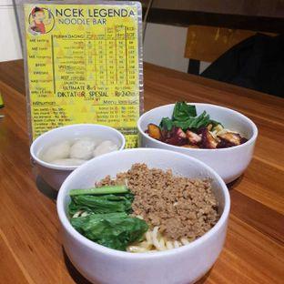 Foto 1 - Makanan di Ncek Legenda Noodle Bar oleh BiBu Channel