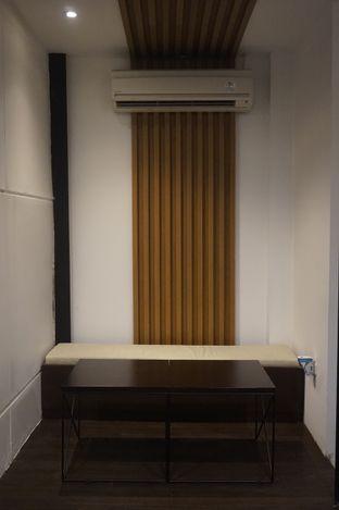 Foto 9 - Interior di Simetri Coffee Roasters oleh yudistira ishak abrar