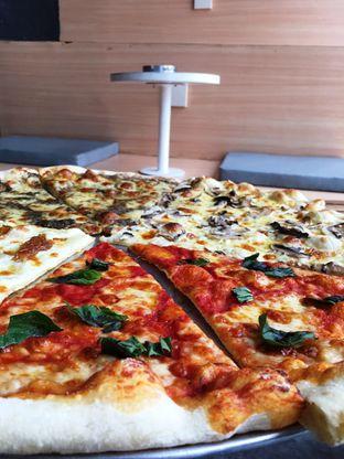 Foto 19 - Makanan di Sliced Pizzeria oleh Prido ZH