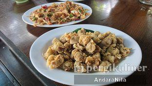 Foto 5 - Makanan(jamur goreng) di Rumah Makan Rindang Alam oleh AndaraNila