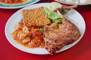 Foto - Makanan(bebek goreng) di Bebek Ali Borme oleh @kulineran_aja