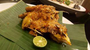 Foto 8 - Makanan(Ayam Panggang Mertoea) di Meradelima Restaurant oleh Avien Aryanti