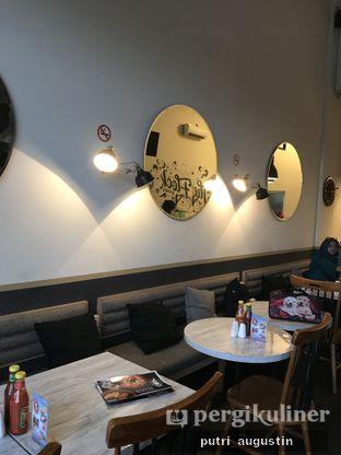 Foto 9 - Interior di The Flock oleh Putri Augustin