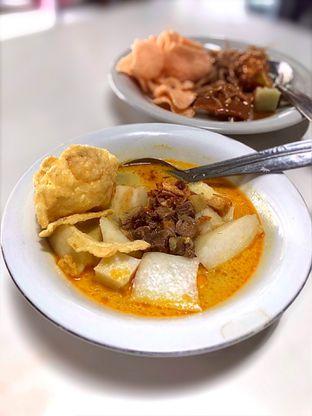 Foto 2 - Makanan(Lontong Kari) di Kupat Tahu & Lontong Kari Cicendo oleh Fadhlur Rohman