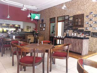 Foto 3 - Interior di Rollaas Coffee & Tea oleh Nisanis
