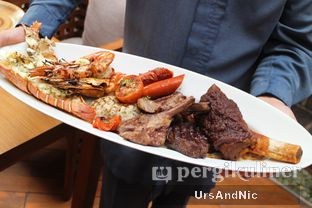 Foto 9 - Makanan(Mix Meat and Sea) di C's Steak and Seafood Restaurant - Grand Hyatt oleh UrsAndNic