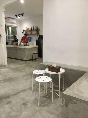 Foto 7 - Interior di Signal Coffee oleh Prido ZH