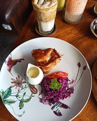 Foto 2 - Makanan di Kolonial Bistro & Roastery oleh Junior