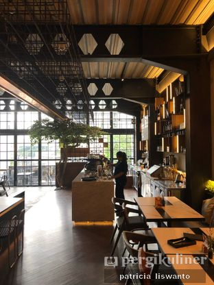 Foto 6 - Interior di Paladin Coffee + Kitchen oleh Patsyy