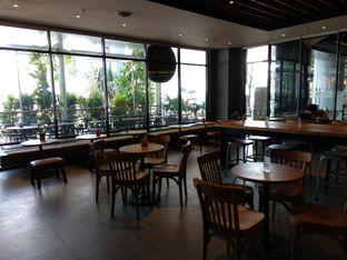 Foto 1 - Interior di Starbucks Coffee oleh Eunice
