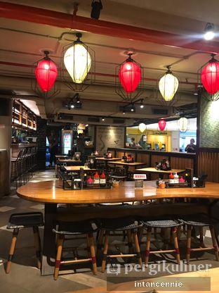 Foto 1 - Interior di NamNam Noodle Bar oleh bataLKurus
