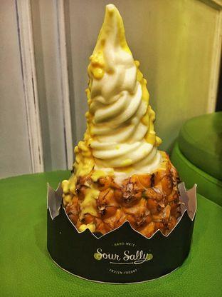 Foto - Makanan(Pineapple Fruity Yoghurt) di Sour Sally oleh Fadhlur Rohman