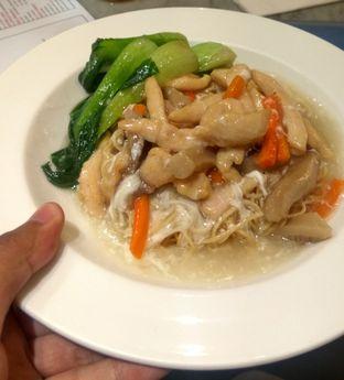 Foto 2 - Makanan(Ifumie Mushroom Seafood (IDR 55k)) di Seroeni oleh Renodaneswara @caesarinodswr