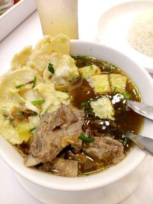 Foto 4 - Makanan(Sop iga lidah) di Chop Buntut Cak Yo oleh Ratih Danumarddin