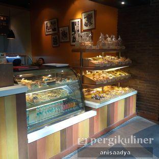 Foto 2 - Interior di Daily Bread Bakery Cafe oleh Anisa Adya