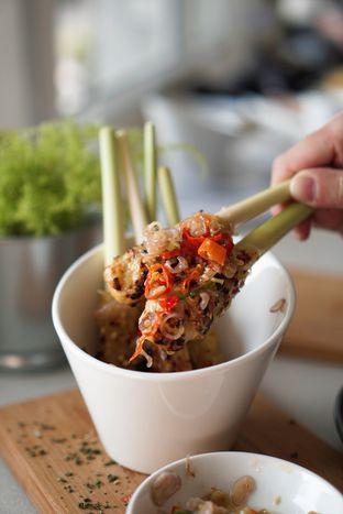 Foto 6 - Makanan di Oiio Bistro oleh @Sibungbung