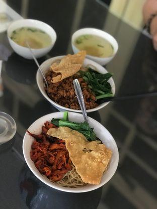 Foto 3 - Makanan di Bakmi Gloria oleh Makan2 TV Food & Travel