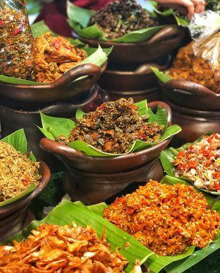 Foto 1 - Makanan di Master Nasi Pedas Bali oleh deasy foodie