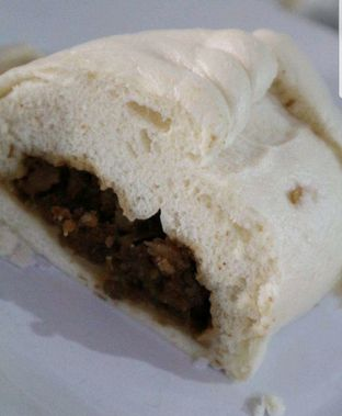 Foto 2 - Makanan di Bakpau & Kue 555 oleh heiyika