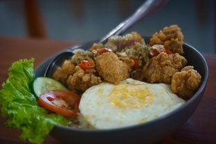 Foto 1 - Makanan(Chicken Sambal Matah) di Diskus Cafe & Bites oleh Fadhlur Rohman