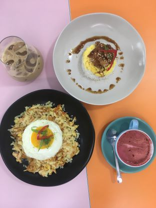 Foto 8 - Makanan di La Vie Kitchen and Coffee oleh Prido ZH