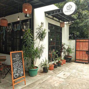 Foto 17 - Eksterior di Jonbon's Coffee & Eatery oleh duocicip
