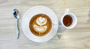 Foto 4 - Makanan(Vanilla Latte) di AH Resto Cafe - Hotel Ibis Budget Jakarta Cikini oleh Yummyfoodsid