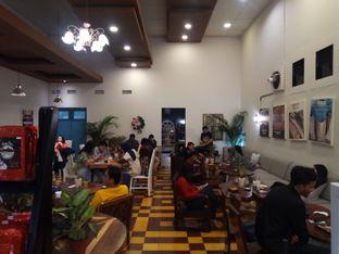Foto 3 - Interior di Gedogan Coffee House oleh Chris Chan